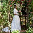 O vestido de noiva de Thais Fersoza em 'Escrava Mãe' tinha decote em U