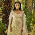 O vestido de noiva de Cleo (Giovanna Cordeiro) em 'O Outro Lado do Paraíso' foi confeccionado em crochê offwhite