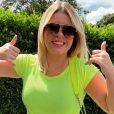 Marilia Mendonça revela que está com coração ocupado em coletiva de imprensa