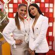 Simaria, irmã de Simone, deu uma bolsa branca da Gucci de R$ 8 mil para a cantora