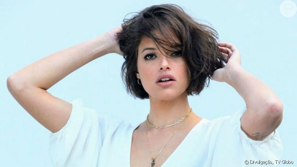 De cabelo curto, Agatha Moreira tem visual comparado ao de Bruna Marquezine