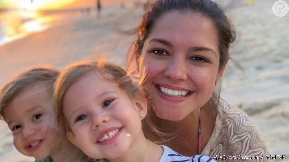 Thais Fersoza jogou dominó com a filha, Melinda, nesta quarta-feira, 29 de maio de 2019
