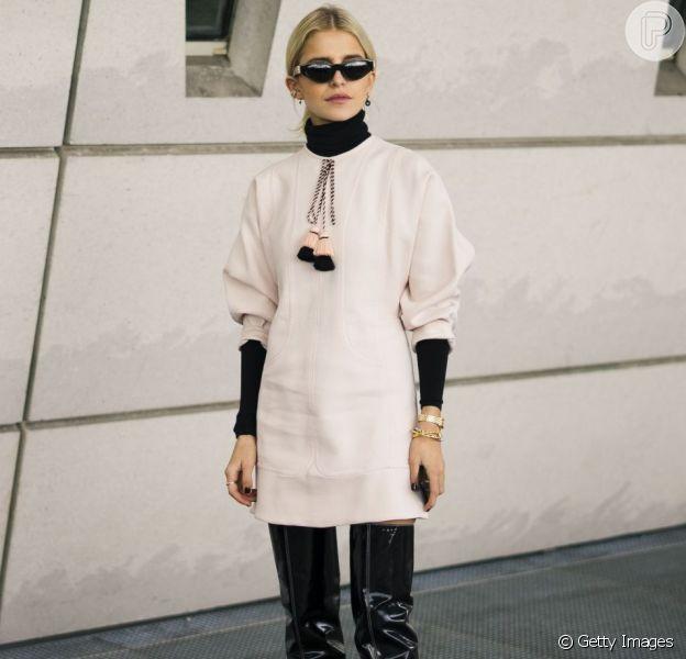 Vestido com botas é uma combinação clássica para o inverno