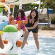 Samara Felippo brincou em parque aquático com as filhas, Alícia e Lara