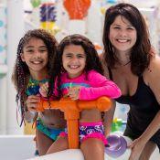 Samara Felippo curte parque aquático com as filhas: 'Se jogam nos brinquedos'