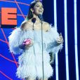 Bruna Marquezine apresentou um dos prêmios do palco do MTV Miaw, que ocorreu nesta quarta-feira, 3 de julho de 2019