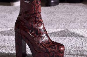 Sapatos que vão continuar na moda e você pode comprar agora na liquidação
