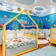 Matheus, da dupla com Kauan, e Paula Aires mostraram o novo quarto dos filhos, Davi e João Pedro