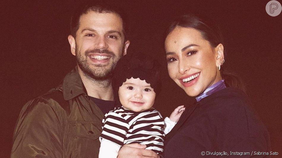 Sabrina Sato e Duda Nagle curtem férias em Barcelona com a filha, Zoe, em 13 de julho de 2019