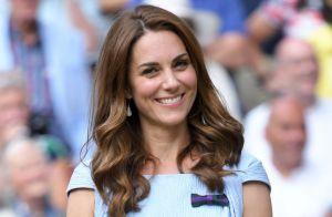 Vestido romântico e brincos preferidos: o look de Kate Middleton em Wimbledon