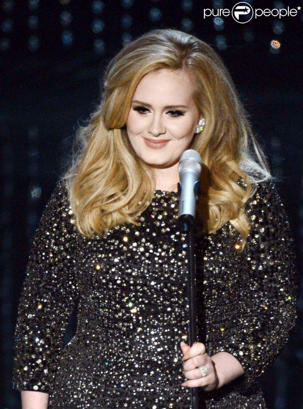 Novo CD da cantora Adele só deve ser lançado em 2015