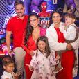Simone e Simaria reuniram os filhos em festa de Henry, herdeiro de Simone e Kaká Diniz