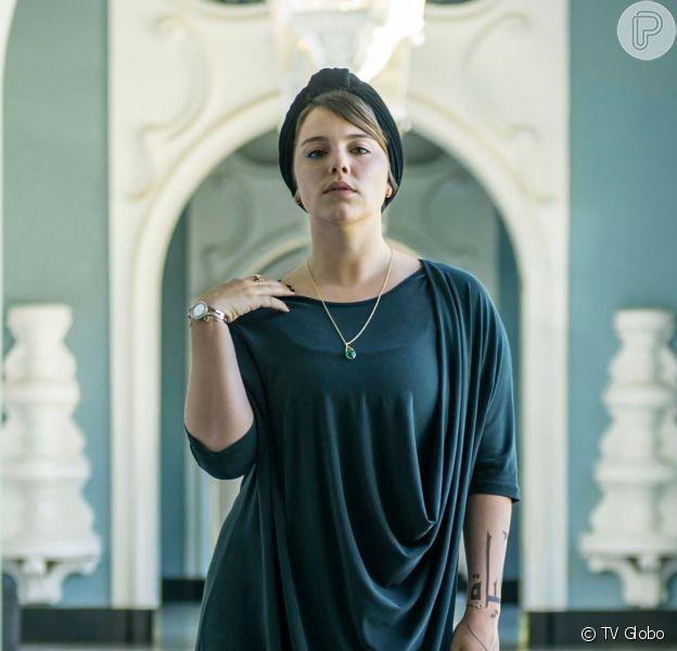 Dalila (Alice Wegmann) atirará contra Laila (Julia Dalavia) na novela 'Órfãos da Terra'