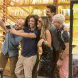 Silvana (Ingrid Guimarães) chama a imprensa para ficar famosa com sua cegueira na novela 'Bom Sucesso'