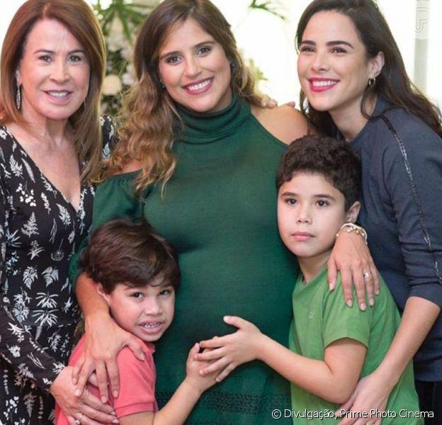 Filho de Camilla Camargo foi tietado pelos primos, José Marcus (de 7 anos) e João Francisco (de 5), herdeiros de Wanessa Camargo