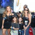 Grazi Massafera e Ingrid Guimarães curtem shows do Rck in Rio com as filhas