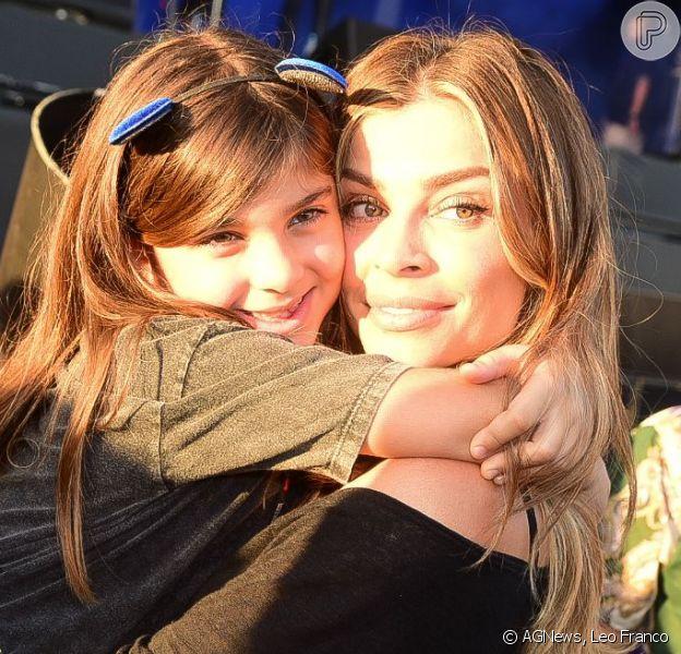 Grazi Massafera vai ao Rock in Rio com a filha, Sofia, em 5 de outubro de 2019