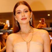 Marina Ruy Barbosa elege look monocromático nude com mix de correntes em evento
