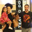 Juliana Alves e Ernani Nunes levaram a filha, Yolanda, para passeio por shopping do Rio de Janeiro neste domingo, 1º de dezembro de 2019