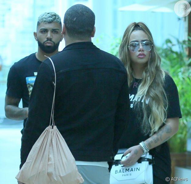Rafaella Santos e namorado, Gagibol, foram fotografados em shopping do Rio de Janeiro nesta quarta-feira, 4 de dezembro de 2019