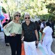 Carlos Alberto de Nóbrega e a mulher vão ao aniversário de 1 ano da filha de Sabrina Sato, Zoe