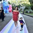Rafa Brites posa com Rocco no aniversário de 1 ano da filha de Sabrina Sato, Zoe