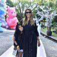 Monica Martelli curte aniversário de 1 ano de Zoe com a filha, Júlia