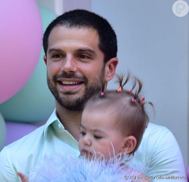 Duda Nagle avançou e estourou as bexigas da festa de primeiro aniversário da filha, Zoe, neste sábado, 7 de dezembro de 2019