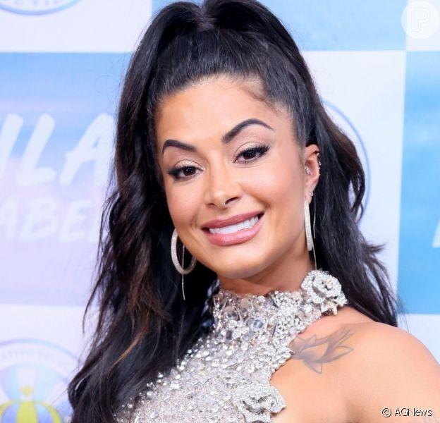 Aline Riscado nega namoro com Gabigol ao ser questionada por Faustão, em 8 de dezembro de 2019