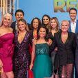 Ana Hickmann e elenco da Record TV posam juntos na gravação do especial 'Família Record'