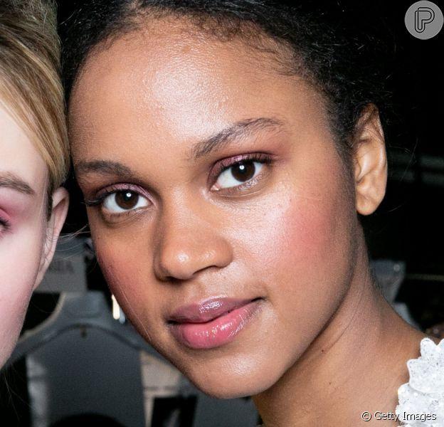 Maquiagem trendy: essas 8 inspirações de visuais com as tendências em alta para o verão 2020 prometem agradar até as mais básicas. Fotos!