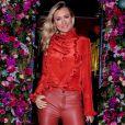 Grávida, Ana Paula Siebert usou vestido sereia e chamou atenção em foto publicada no Instagram