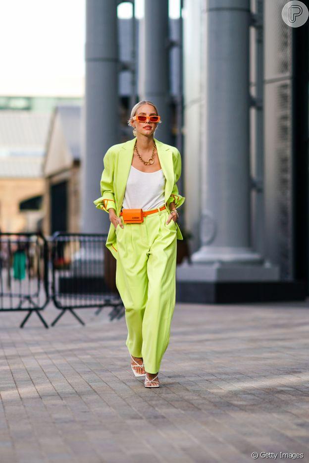 Para usar a alfaiataria de forma mais moderna, aposte em cores vibrantes