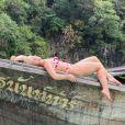 Angélica exibe corpo sarado em biquíni em foto na praia nesta quinta-feira, dia 16 de janeiro de 2020