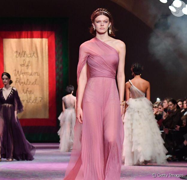Moda Dior: grife desfila coleção primavera-verão 2020 de alta-costura no Musée Rodin, em Paris, nesta segunda-feira, 20 de janeiro de 2020