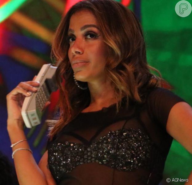 Relação de Anitta com cantor de banda de rock é revelada, diz jornal