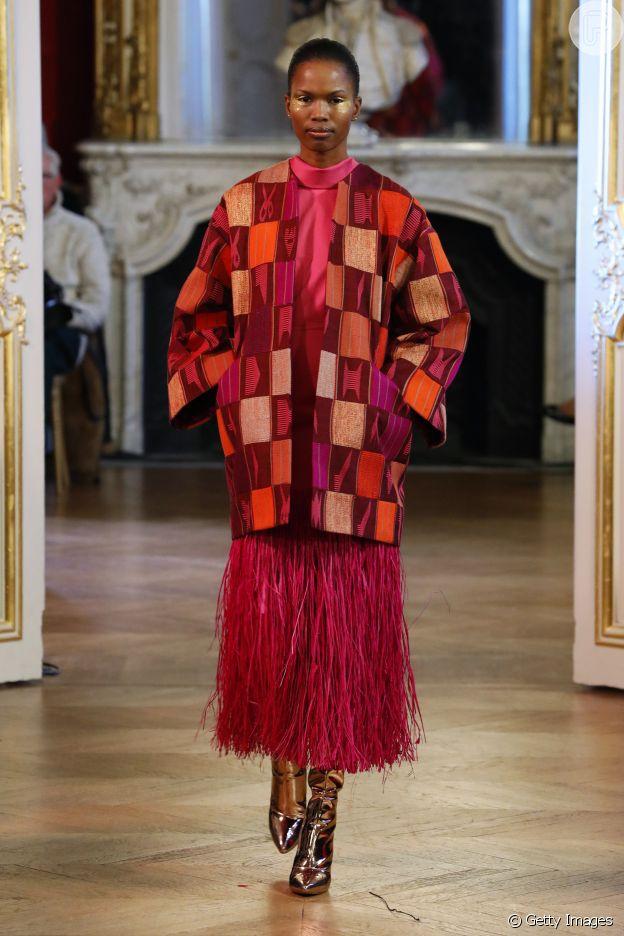 Moda Paris: franjas e patchwork bombaram no desfile da Imane Ayissi Paris Fashion Week