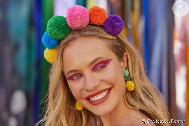 Marca Renner aposta em acessórios extravagantes e coloridos para o Carnaval