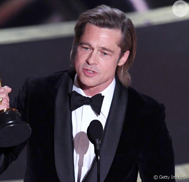 No Oscar 2020, Brad Pittcomemorou a conquista de sua primeira estatueta de Melhor Ator Coadjuvante por 'Era Uma Vez em Hollywood'