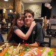 Lucas Burgatti explicou que não iria conseguir se encontrar com Sophia Valverde no aniversário de 6 meses de namoro