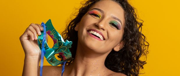 Além do glitter: 4 novas ideias de maquiagem para o Carnaval