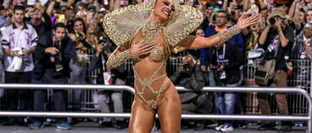 Sabrina Sato usa fantasia metálica em desfile da Gaviões da Fiel: 'Sem penas'