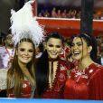 Maiara e Maraisa prestigiaram a primeira noite de desfiles do Grupo Especial do Rio de Janeiro