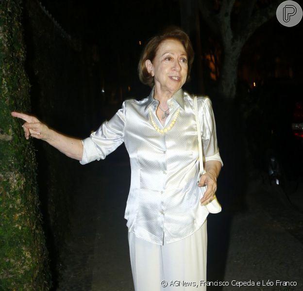 Fernanda Montenegro prestigia festa de 59 anos de Regina Casé, no Rio de Janeiro, em 25 de fevereiro de 2013