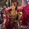 Viviane Araujo desfilou como rainha cigana no Salgueiro