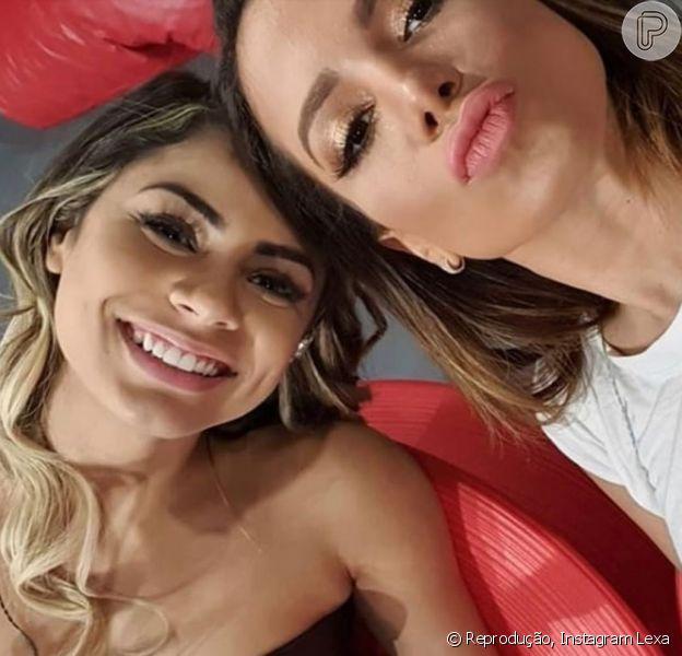 Anitta elogia desfile de Lexa na Unidos da Tijuca e defende a cantora após tombo: 'Levantou ágil e elegante'. (25 de fevereiro de 2020)