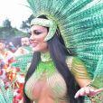 Carnaval: Juju Salimeni representou índia e desfilou sem tapa-sexo