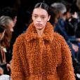 Stella McCartney apresentou sua moda atemporal e consciente na Semana de Moda em Paris