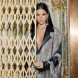 Bruna Marquezine usou look com franjas em ensaio fotográfico