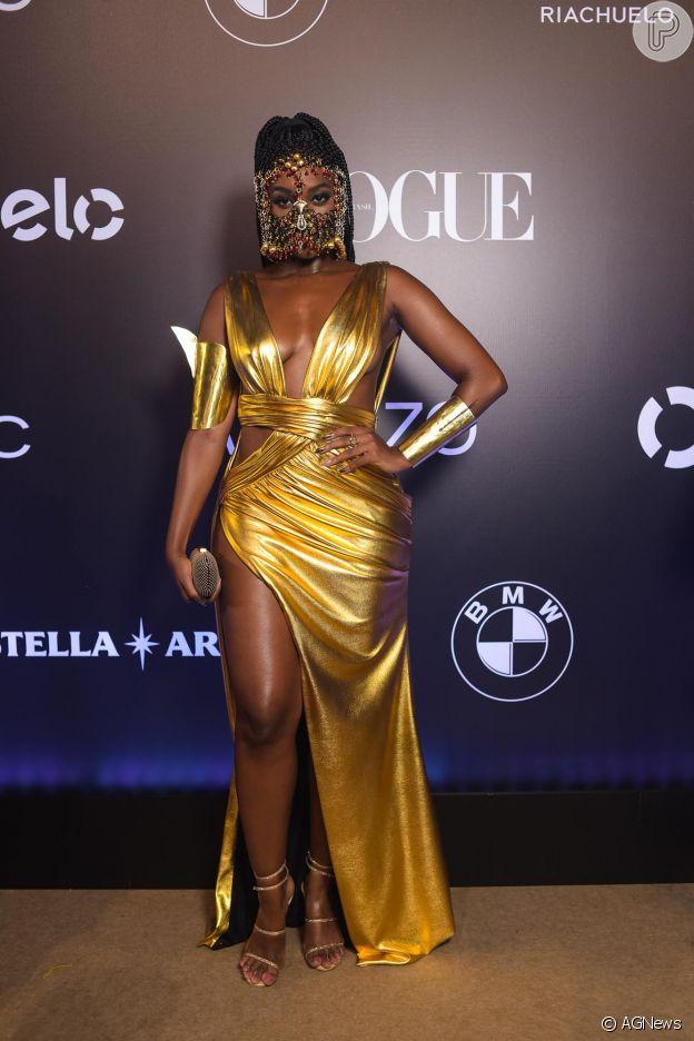 Iza homenageou mulheres brasileiras com look de guerreira no Baile Vogue
